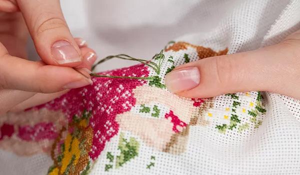 Польза вышивания